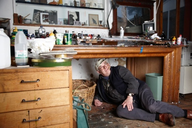 Ralph Steadman under desk